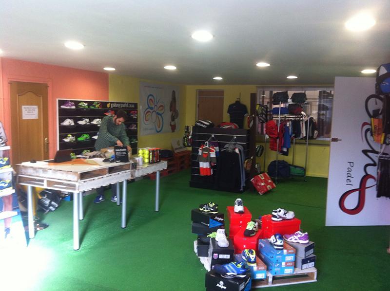 Foto análisis de clubs de padel: Tienda GalaxypadelPadel cobert Alboraia
