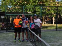 Andoni Bardasco, jugador de Star Vie, con los participantes en el clinic organizado por Fundación NUMEN