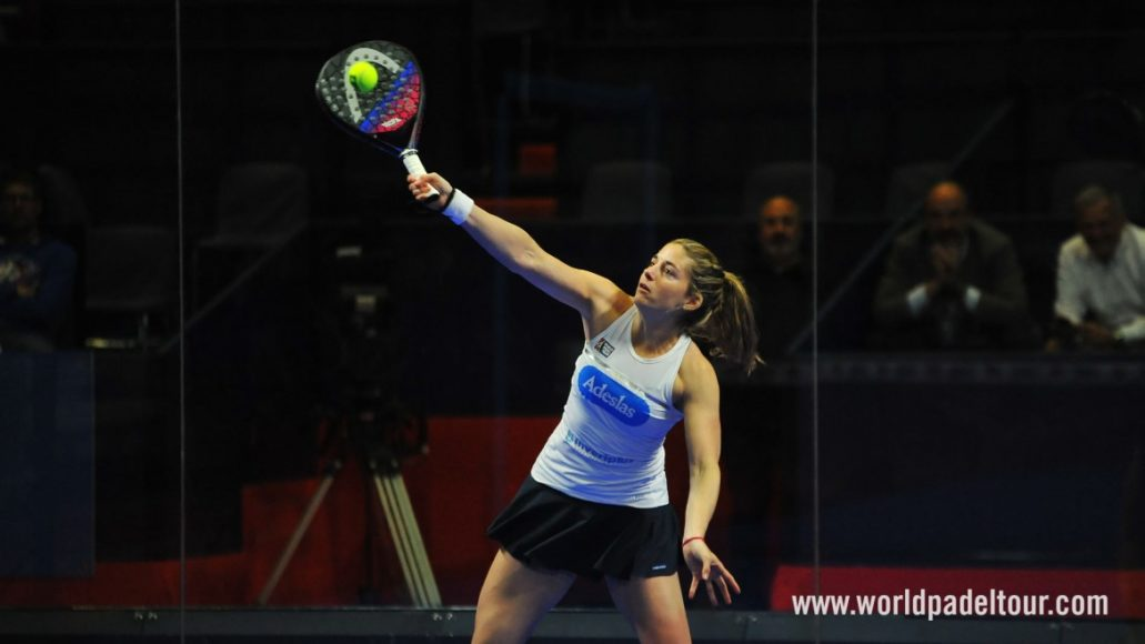 Foto de World Padel Tour - Alejandra Salazar con la pala HEAD Graphene Touch Delta Motion