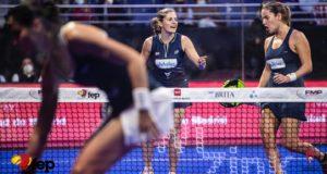 Alejandra Salazar y Ariana Sánchez se juagrán con Carolina Navarro y Aranza Osoro el pase a la final del Campeonato de España de Pádel
