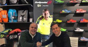 El Nº1, Paquito Navarro, y Bullpadel renuevan en 2020